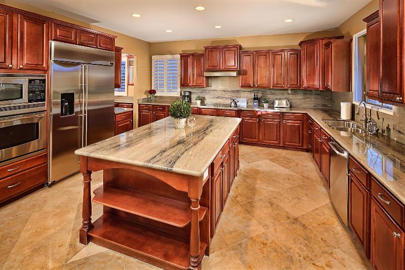 Full Kitchen - Upgraded with Granite Counter Tops