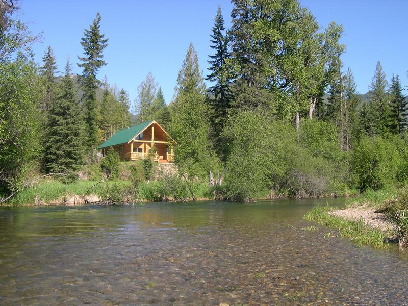 Relax creekside in solitude and comfort. Cabin #3