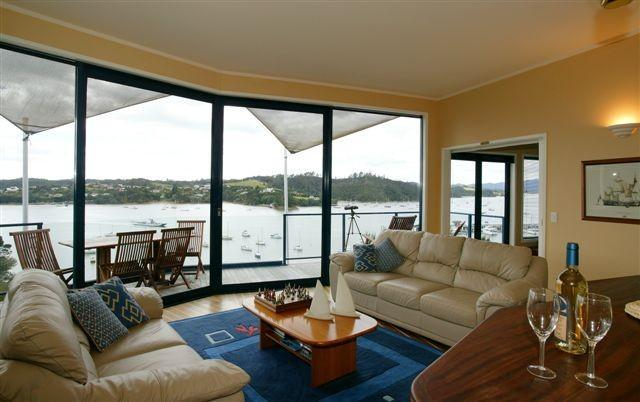 Bridgedeck-Family Room - Crows Nest Villas- Opua Bay of Islands - Opua - rentals