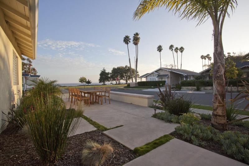 Enjoy this wonderful Park & Beach View every day from the Front Patio