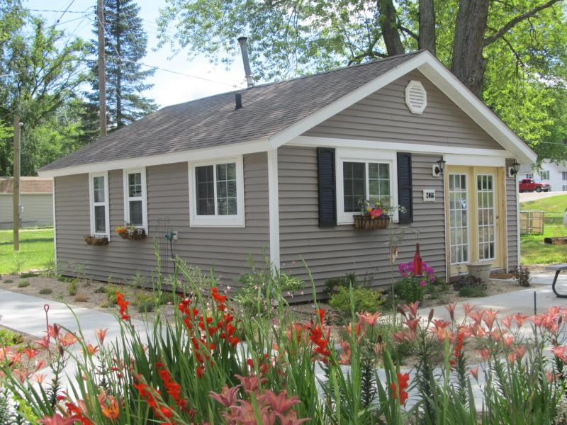 Cabin #1 - Leach Lake Resort  Lakefront Homes OPEN ALL YEAR!! - Hastings - rentals