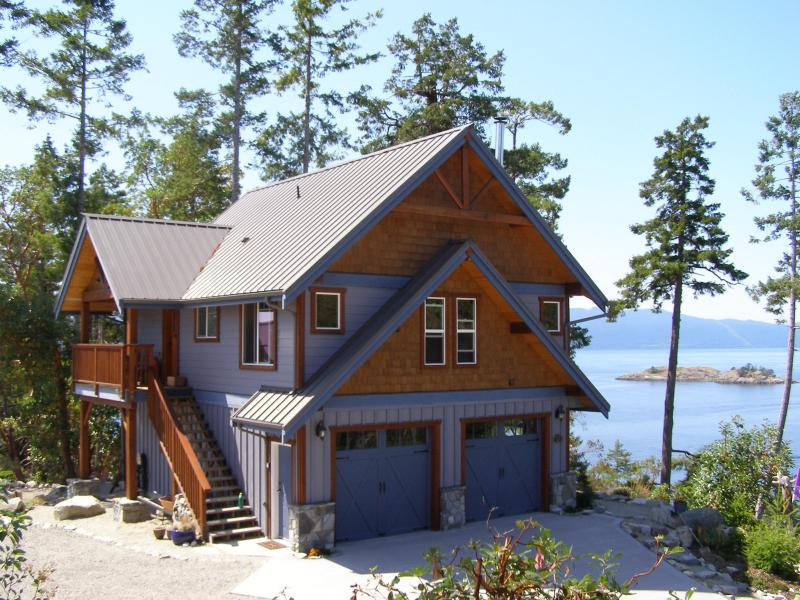Entry porch side of Blue Orca Cottage