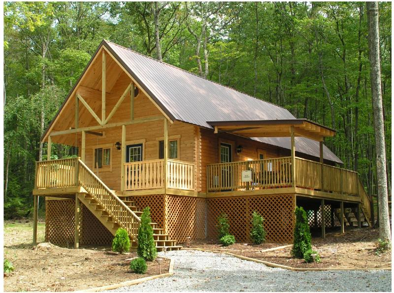 Luxury Cabin on 3 private acres