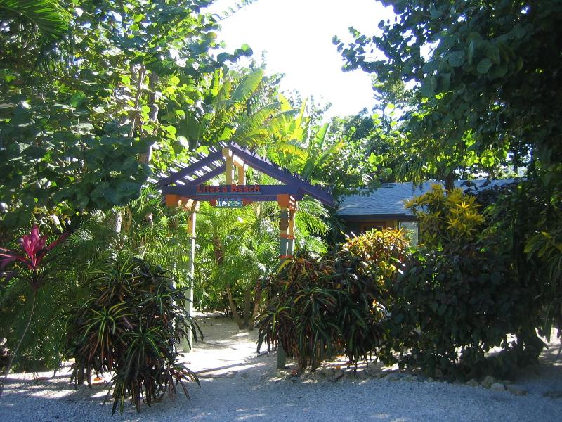Welcome to Life's a Beach cottage best location on beautiful  Captiva island