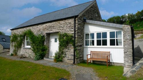 Pet Friendly Holiday Cottage - The Smithy, Abercastle - Image 1 - Pembrokeshire - rentals