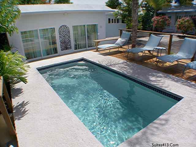 Pool front Suite 4