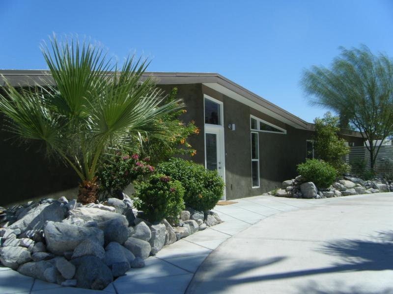 Mid Century Palm Springs design by Palmer and Krisel