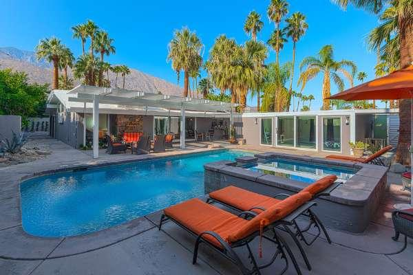 Large Saltwater Pool and Spa with West and South Mountain Views
