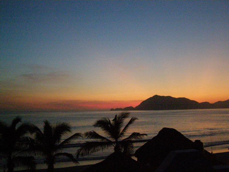 Just Imagine the sunsets! - Stunning 3 bed,4 bth home -Casa de Los Sueños - Manzanillo - rentals