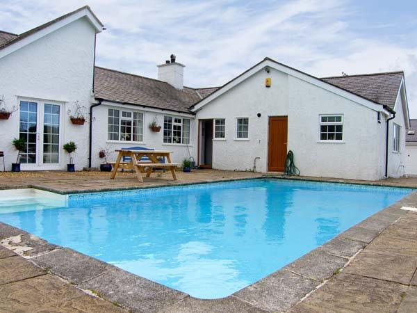 ABER EILIAN BACH , pet friendly, with pool in Llaneilian, Isle Of Anglesey, Ref 7892 - Image 1 -  Llaneilian - rentals