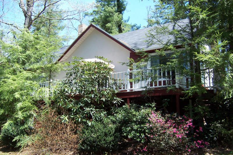Our beautiful Azalea Cottages is the perfect place to bring the whole family since it can sleep 6.