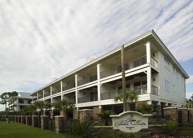 Beautiful 3 Bedroom 3 Bath Townhome River Front - Image 1 - Carrabelle - rentals