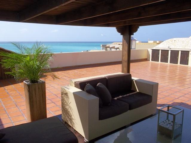 The best roof terrace in the complex!