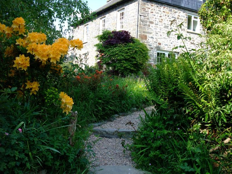 IDYLLIC DETACHED FARMHOUSE WITH BEAUTIFUL OUTLOOK - Image 1 - Lampeter - rentals