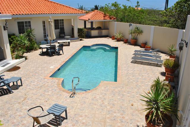 Pool Area - Amazing 5 bedrm Villa (incl studio apt) and Pool - Noord - rentals