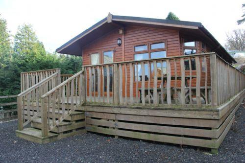 BARTON LODGE, Pooley Bridge Holiday Park, Ullswater - Image 1 - Pooley Bridge - rentals