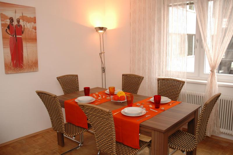 table for 6 persons
