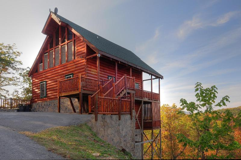 Beautiful Log Cabin  with View