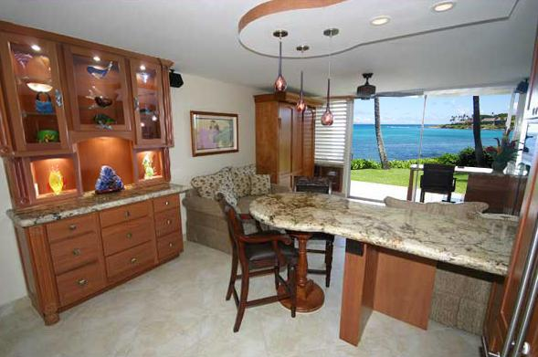 Completely Renovated Napili Shores - Enjoy Lighted Breakfront with Art Glass