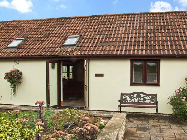 BEECH COTTAGE, family friendly, country holiday cottage, with a garden in No Village, Ref 9178 - Image 1 - Leigh - rentals