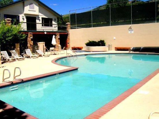 Amenity Building With Pool, Hot Tub , Sauna, Fitness and Tennis Courts