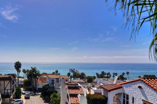 Incredible ocean and pier views from top deck - Ocean views, steps to San Clemente Beach / Pier! - San Clemente - rentals