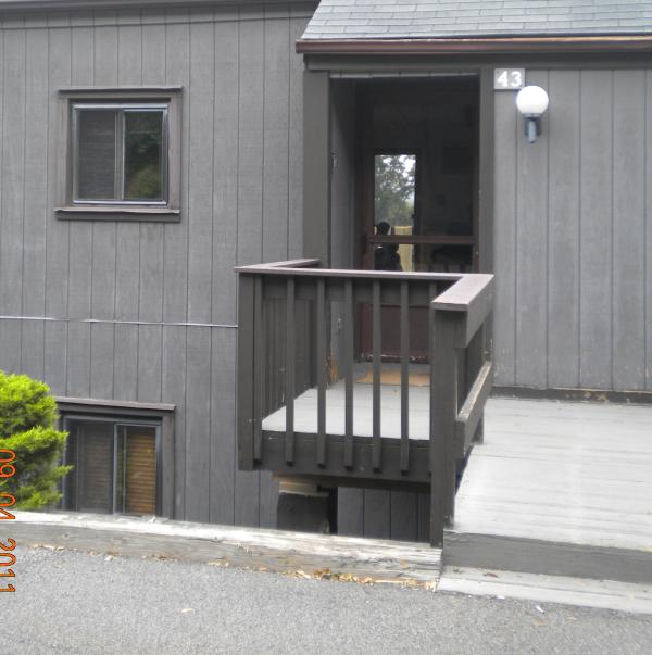 Parking lot level townhome