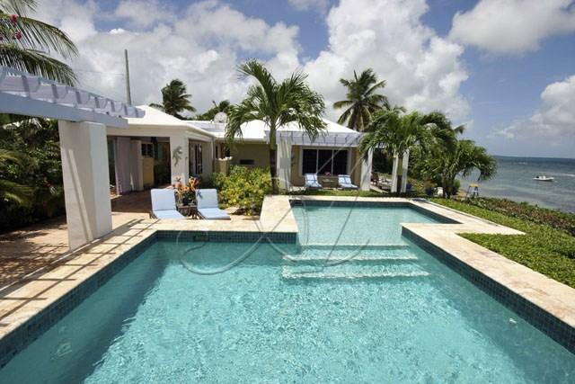 Ocean front Paradise Found - enjoy all this villa has to offer!
