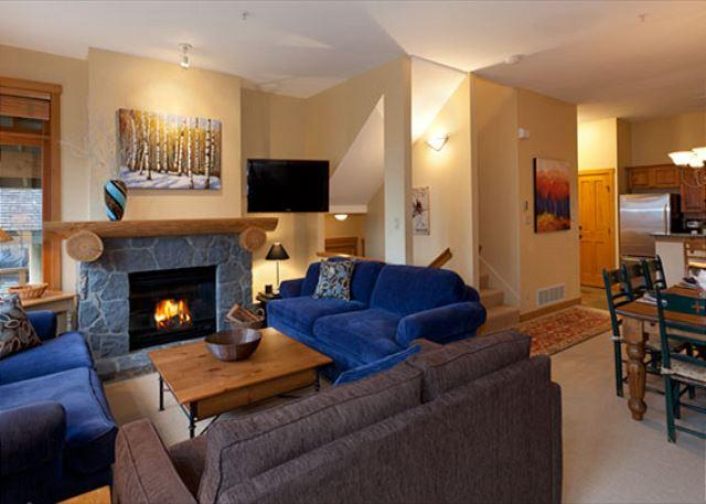 Cozy Living Room with Gas Fireplace - Taluswood The Ridge #17 | 3 Bedroom Ski-In/Ski-Out Townhome, Private Hot Tub - Whistler - rentals