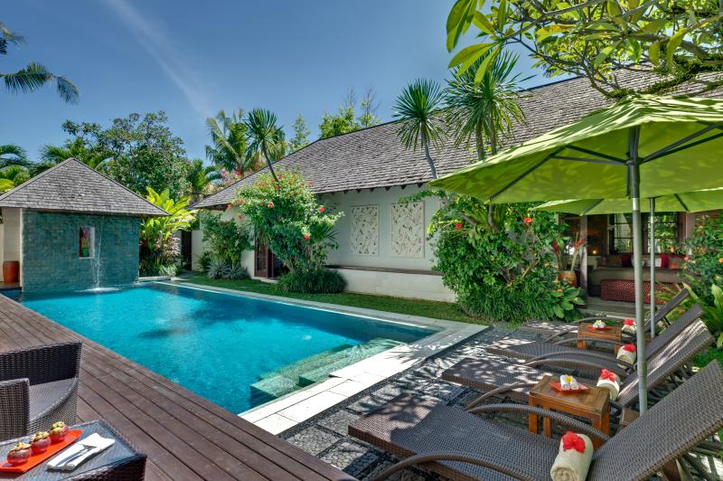 Poolside - Luxury, secure 4 bedroom close to Oberoi and beach - Seminyak - rentals