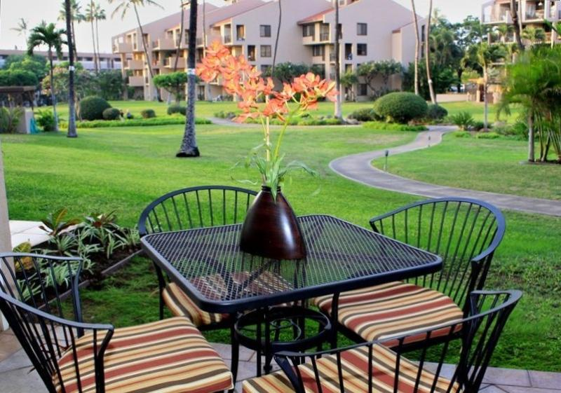 Lanai, 4 seat dining table, Garden View