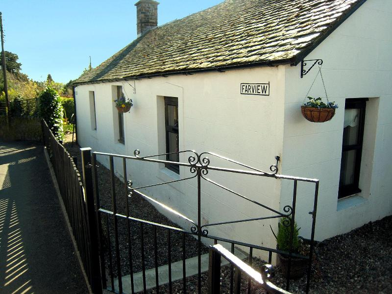 Farview from Kirkton Rd - Charming 2-Bedroom Cottage - Historical Perthshire - Blairgowrie - rentals