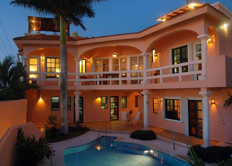 Casa Feliz.  The 'Happy House'  Spectacular Caribbean Sea View...Roof top Bar and Terrace.