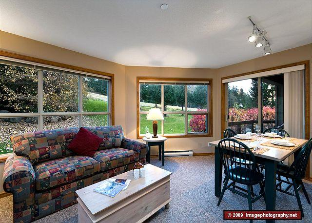 Living Room - Aspens, prime ski-in, ski-out, 2 bdrm with bright, quiet mountain view - Whistler - rentals