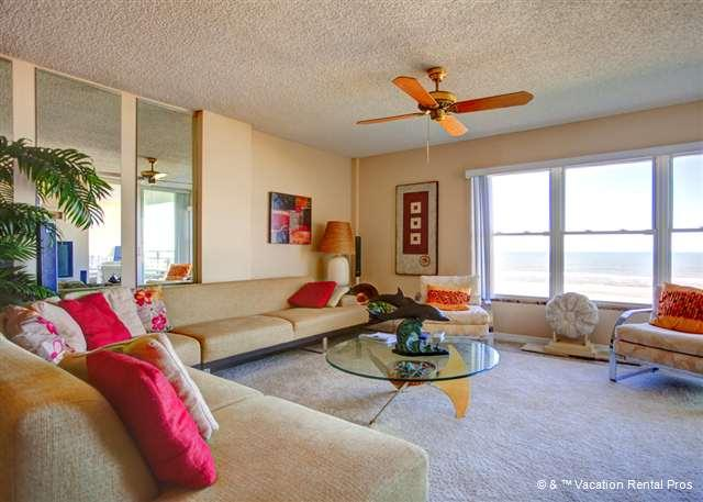 Sand Dollar III 404 is waiting to engulf you in style