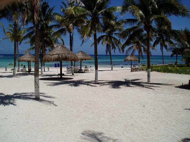Beach in front of Vill del Mar - BEACH POOL BBQ VILLA DEL MAR DEALS FREE PASSES!! - Puerto Aventuras - rentals