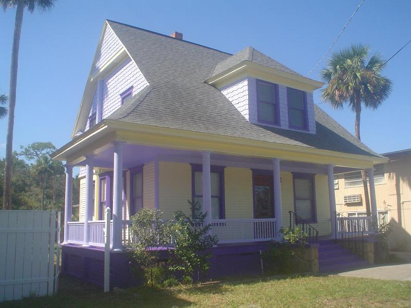 The 1910 Tulip Inn - The Historic 1910 Tulip Inn - Sleeps 5, $114 Night - Daytona Beach - rentals