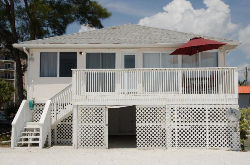 Beachshore Cottage Direct beachfront 3 BR Vacation Home just south of the Pier - Image 1 - Fort Myers Beach - rentals