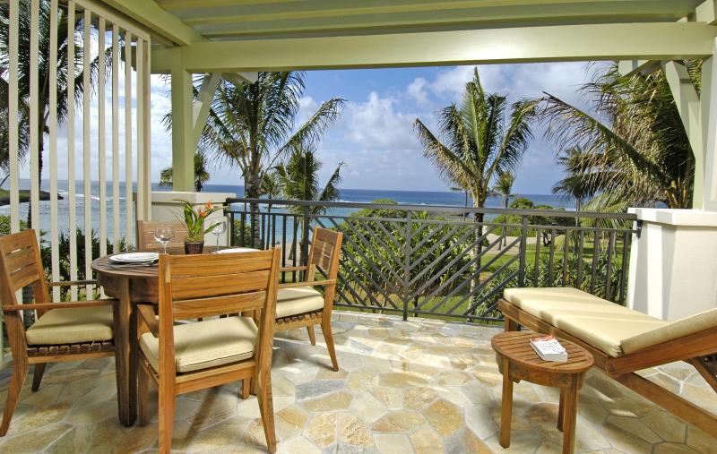 Lanai in upper floor villa