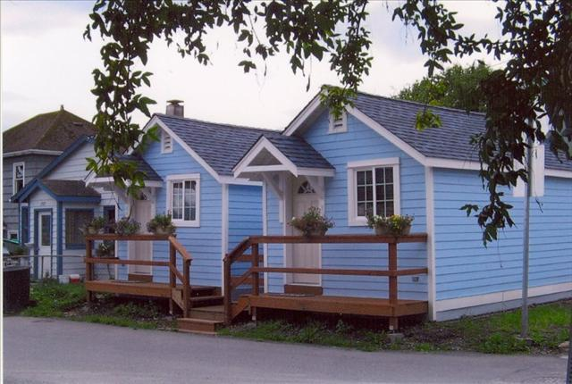 4 Cottages Joined by a boardwalk