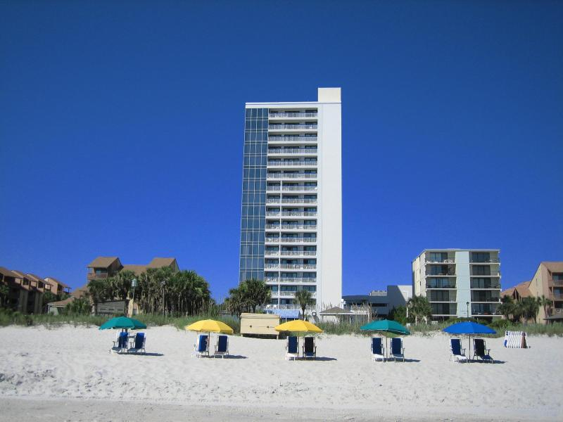 Building is only one unit wide, so great beach views from all windows