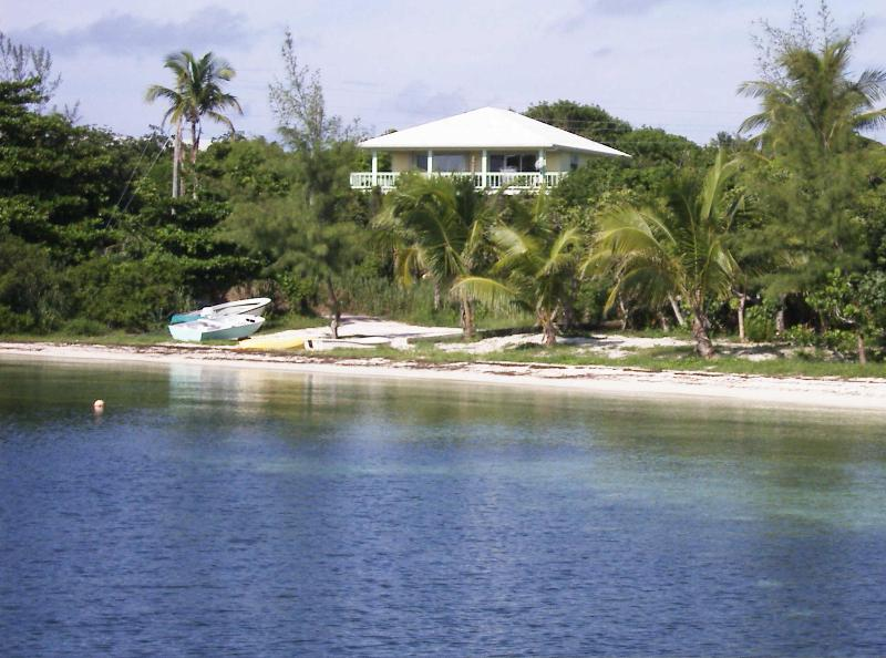 Lemon Tree House & Cottage Overlooking Sea of Abaco