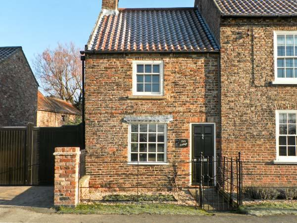 IVY COTTAGE, pet friendly, character holiday cottage in Flaxton , Ref 12212 - Image 1 - Flaxton - rentals