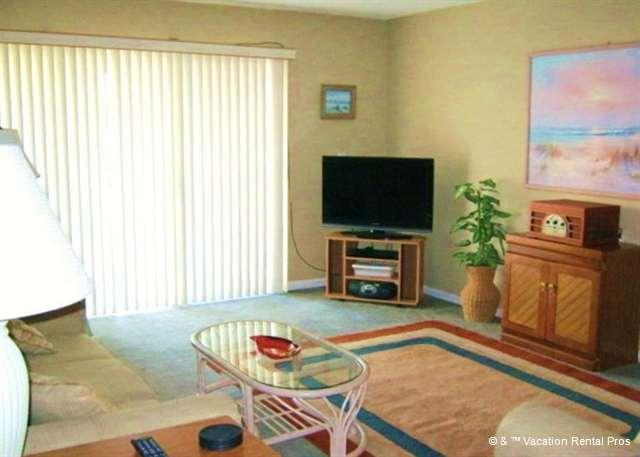 Enjoy our beautiful Tradewinds 122 ocean view living room