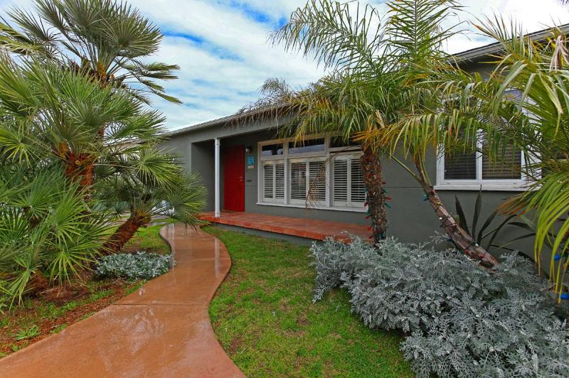 Front of the Coastal Casa - Coastal Casa - La Jolla - rentals