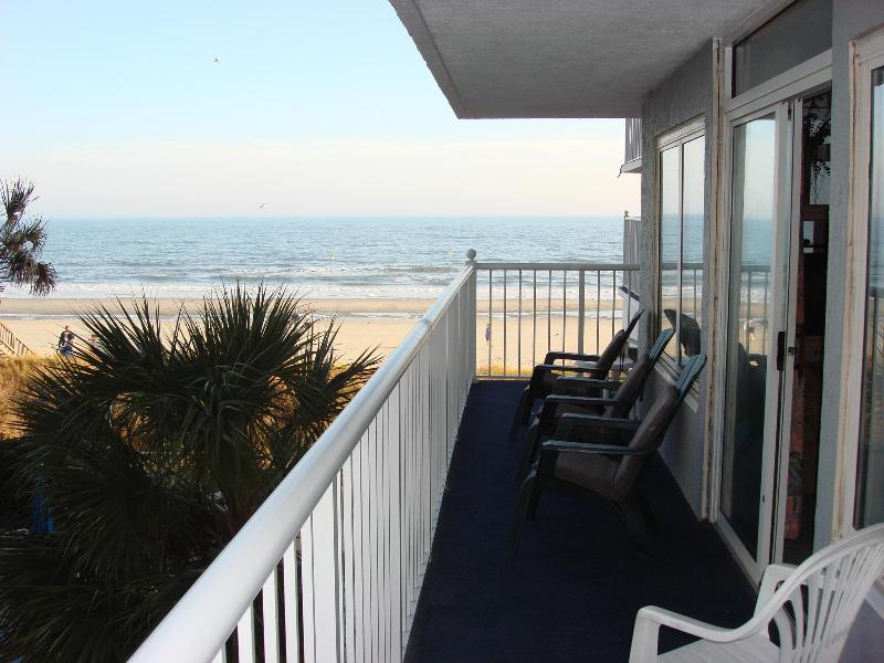 Large L-shaped balcony, direct oceanfront