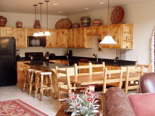 Kitchen and Dining Area - Golf Course Home 2bd/3bath Walk to River - South Fork - rentals