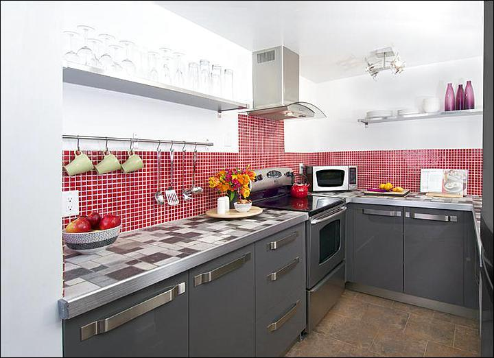 Beautiful Finishes in the Fully Equipped Kitchen