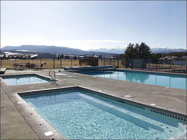 These Two Massive Hot Tubs & the Heated Pool are open year round. - Great Views of the Ski Area & Byers Peak - End-Unit Townhome with Vaulted Ceilings (5002) - Winter Park - rentals
