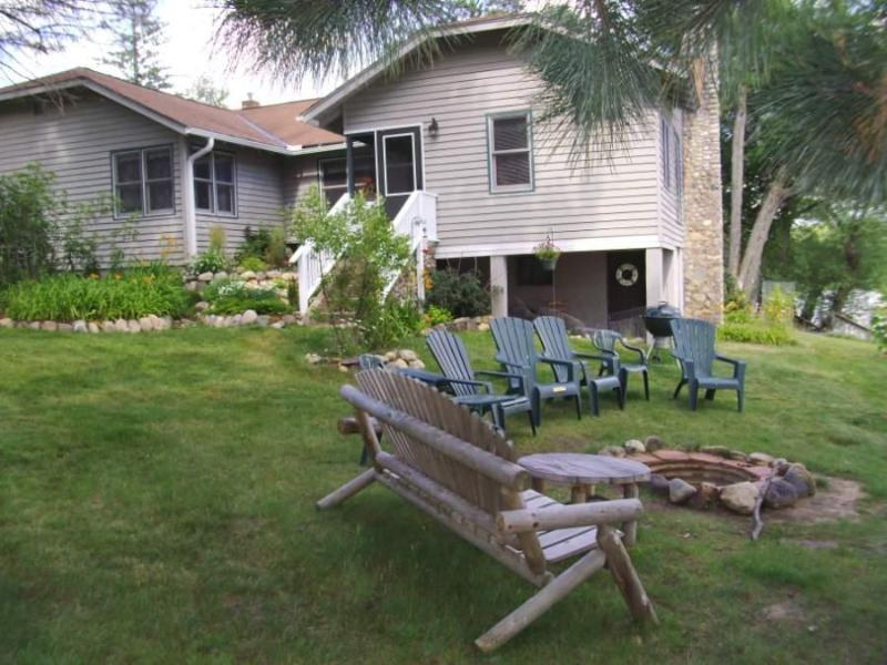 The Lodge at Pike Bay fire pit area